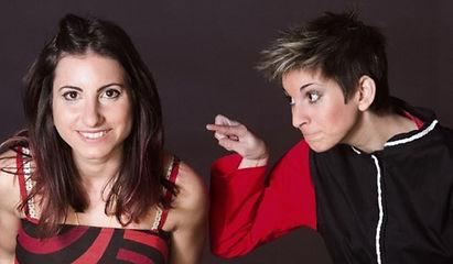 imagen de fondo. Foto promocional del show familiar Ilusiona2 de Niñas del Mago