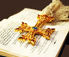 cross-holy-bible-21637417.jpg
