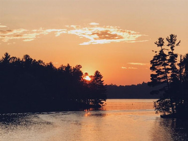 minocqua wi resort sunset over lake