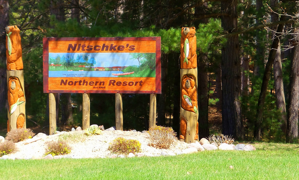 northern resort sign