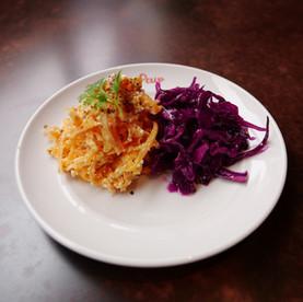 カッテージチーズと人参のラペと紫キャベツのマリネ