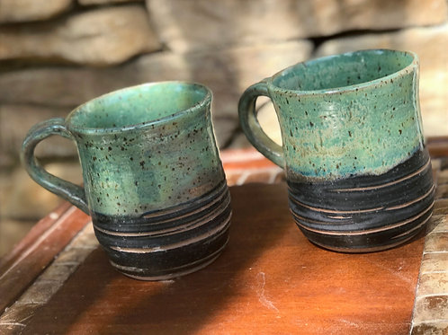 set of 2 mugs in Green Tea