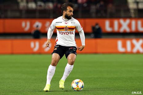 Ao lado de Iniesta e Podolski, Gabriel Xavier é eleito para seleção do mês na J League