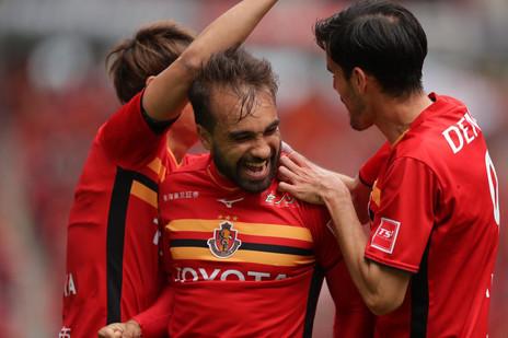 Gabriel Xavier dá show, faz 2 e Nagoya vence mais uma na J League