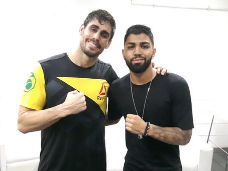 Gabigol marca presença ilustre no UFC Rio 8