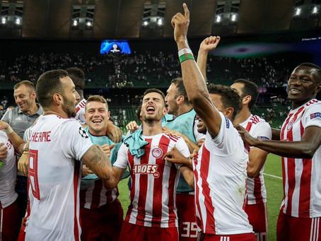 Gui Torres celebra classificação do Olympiacos para fase de grupo da Champions