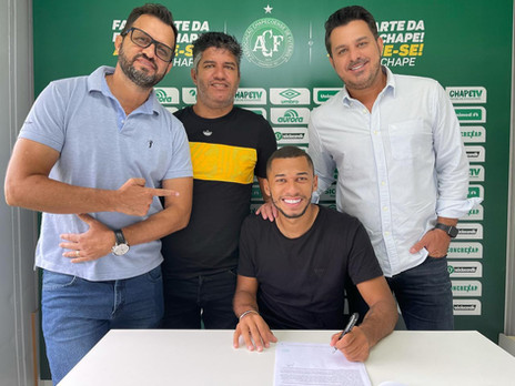 Emprestado pelo Athlético-PR, Fabinho é o novo reforço da Chapecoense