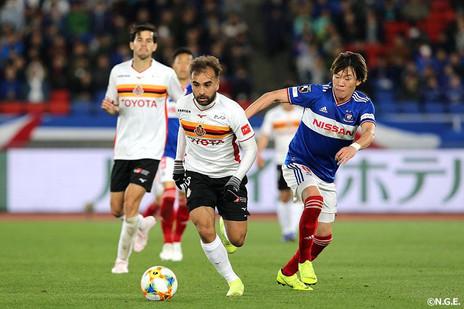 Gabriel Xavier se destaca no melhor ataque da J League