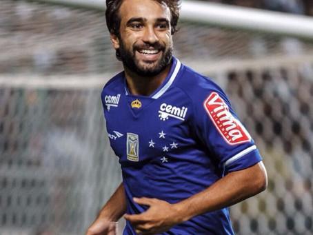 Ídolo no Japão, Gabriel Xavier relembra golaço pelo Cruzeiro diante do Atlético-MG no Horto