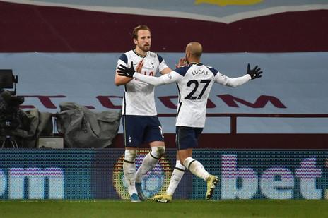 Lucas Moura celebra 150 jogos pelo Tottenham: MVP, assistência e vitória