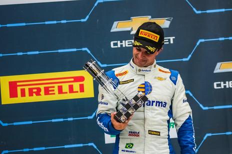 Na Stock Car, Max Wilson sobe na tabela pelo título da categoria
