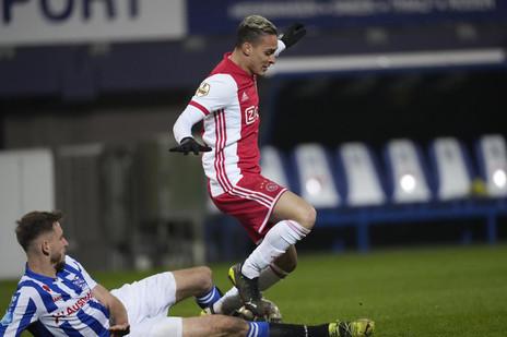 """Com mais um gol, Antony se consolida como o """"cara"""" do Ajax no Holandês"""