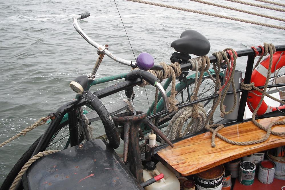 féknélküli 50 éves holland bringám az Anna Trüntjén