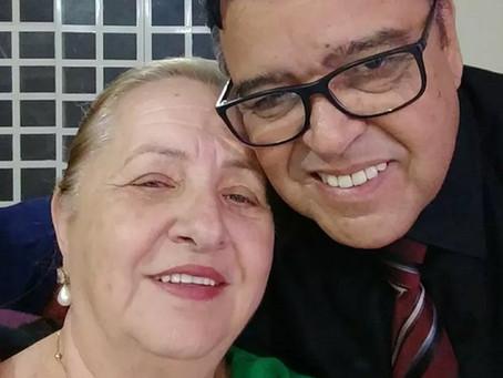 Justiça manda afastar secretário que vacinou 'mulher da vida dele'