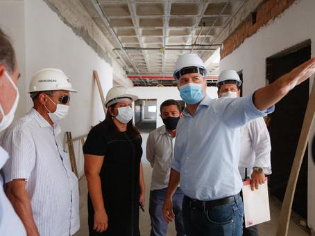 Hospital do Alto Sertão será entregue em cinco meses, afirma Renan Filho