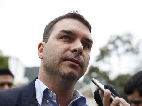 Gilmar Mendes concede liminar a favor de Flávio Bolsonaro sobre foro