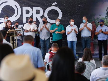 Governador dá início às obras do Pró-Estrada em Delmiro Gouveia