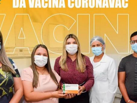 Secretaria de Saúde de Senador Rui Palmeira recebe as primeiras doses da CoronaVac