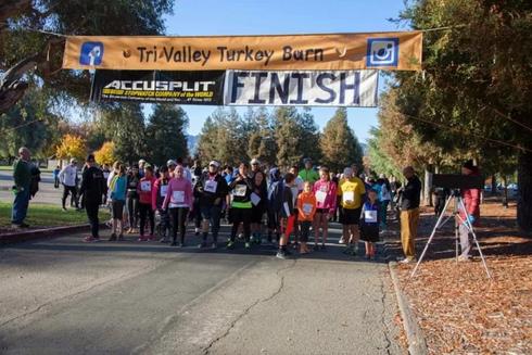 Race start at the annual Tri-Valley Turkey Burn