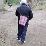 Matero de puntos en el bosque
