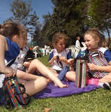 Las chicas merendando en el Parque