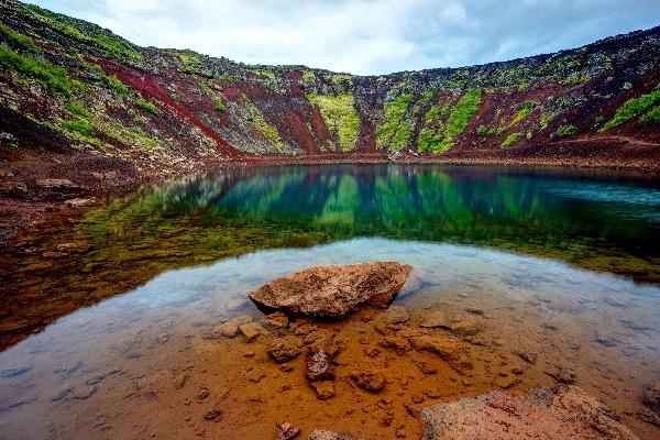 Lago Kerid - Cráter y lago volcánico en Islandia