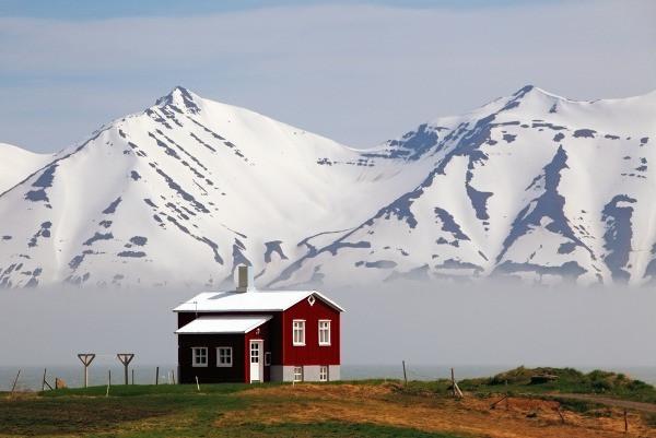 Casa típica islandesa en los Fiordos - Invierno en Islandia, las actividades más populares