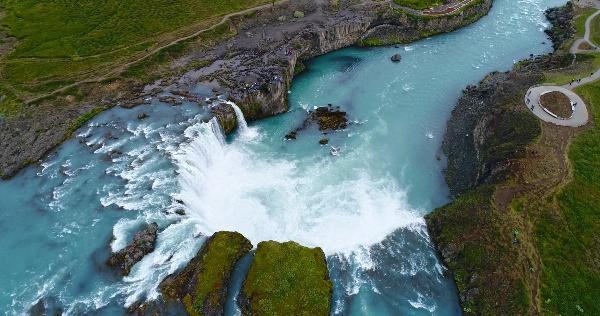 Goðafoss – La Cascada de los Dioses en Islandia
