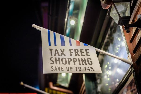 Cartel de TAX FREE en Reykjavik - se puede pagar en moneda de Islandia