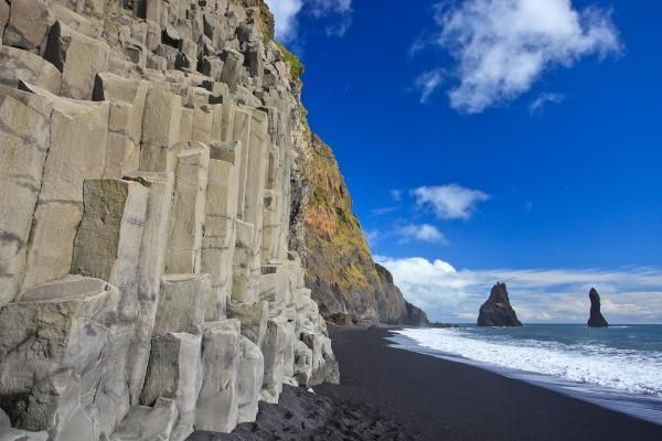 Playa negra de Vík - Descubre Islandia en tan sólo 5 días