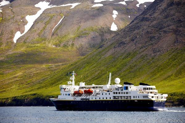 Ferry cruzando las islas islandesas - Rutas de ferry en Islandia