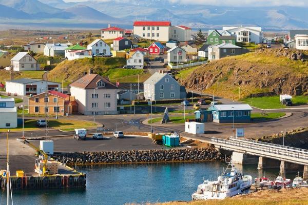 Vista panorámica a Stykkishólmur en la Península Snaefellsness: Excursión de 1 día desde Reikiavik