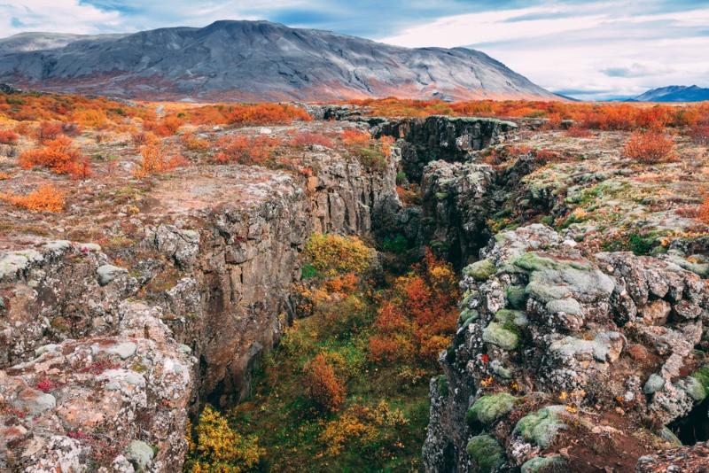 Vista panorámica del parque Thingvellir - Qué ver en Islandia: Recorrido en Autocaravana