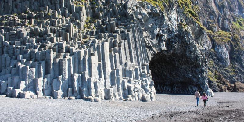 Columnas de basalto en Vík y sus playas negras - Parada obligatoria en Islandia