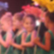 vds-circle-girls-flowers.jpg