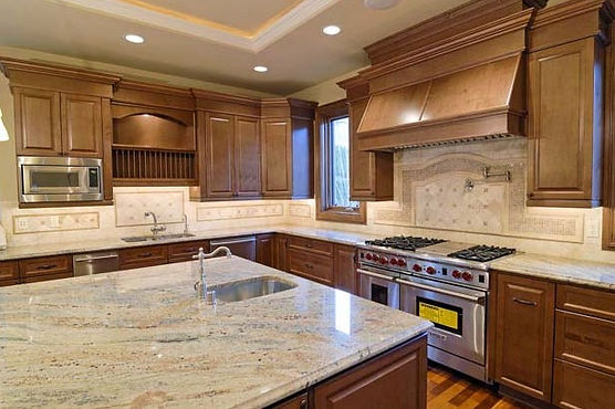 natural stone backsplash kitchen