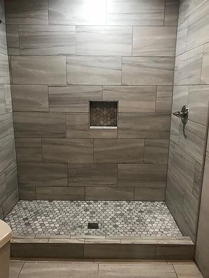 Shower with Shampoo Box