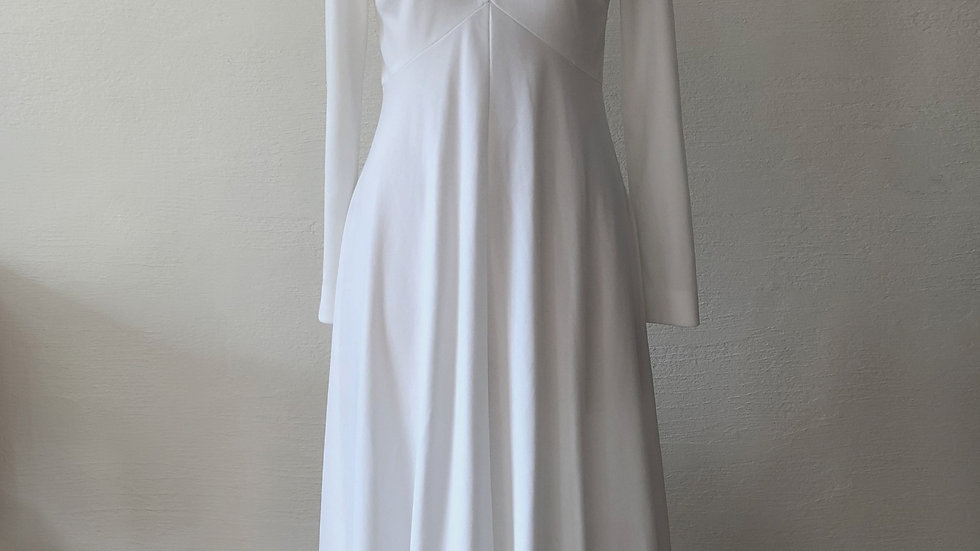 SELECT Dress