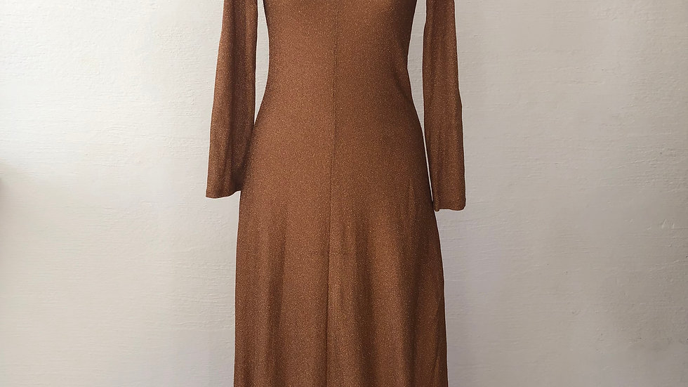 SELECT Used dress