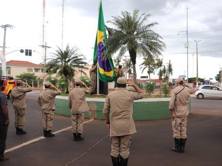 Hasteamento da Bandeira do Brasil