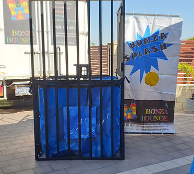 a bonza bounce bonza splash dunk tank water games perth bouncy castle hire