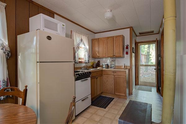 Cabin#4-4.jpg
