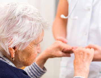 geriatria-visita-medica-specialistica.jp