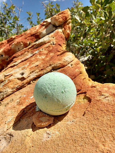 Green Smoothie Bath Bomb