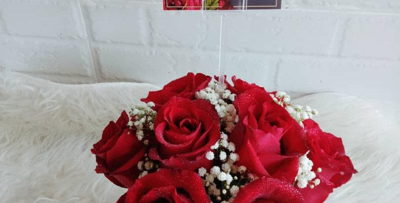 8 Roses