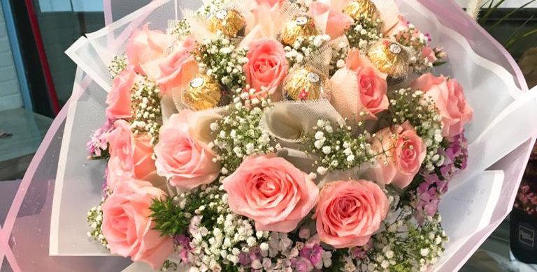 Sweet 20 pink roses