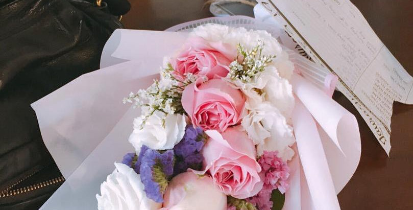 Pink Rose with White Estoma