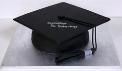 003135 Graduation Mortor Hat Novelty Cake