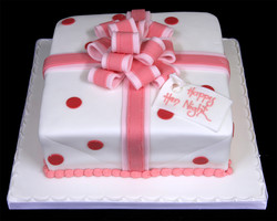 002319 Parcel Birthday Cake