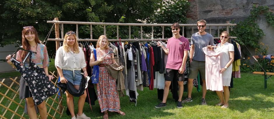 Tauschrausch statt Kaufrausch - 2. Kleidertauschparty der Grünen Furth bei Göttweig